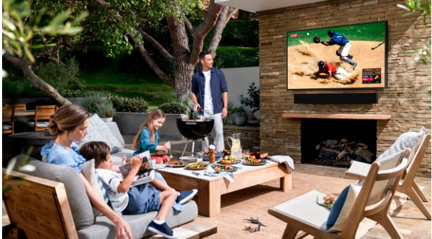 Samsung представила телевізор Terrace для використання на вулиці