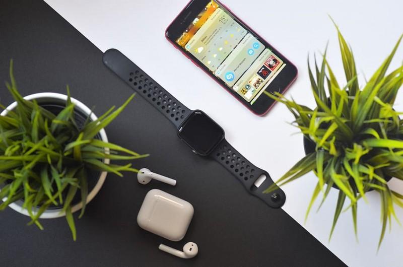 Apple залишить iPhone 12 без навушників